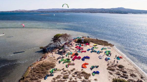 Kitefun Kitesurfen in Sardinien PuntaTrettu Italien