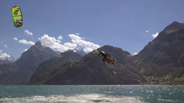 Kitesurfen auf dem Urnersee